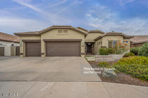 2331 E BELLERIVE Place, Chandler, AZ 85249