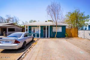 702 W PEPPER Place, Mesa, AZ 85201