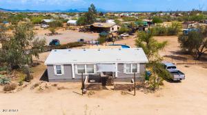 3 bedroom 2 bath on over an ACRE in Desert Hills