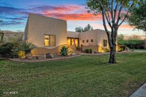 2815 E DESERT Lane, Phoenix, AZ 85042