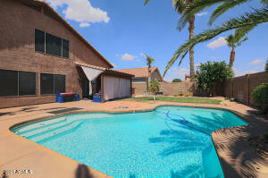 3165 E DESERT Lane, Gilbert, AZ 85234