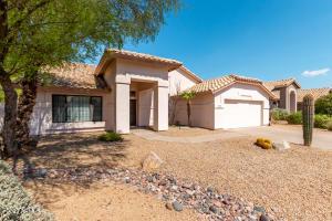 1325 N LAVEEN Drive, Chandler, AZ 85226