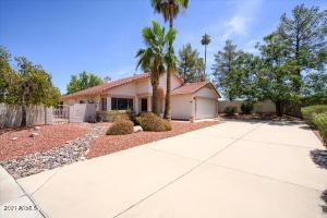 6827 W MORROW Drive, Glendale, AZ 85308