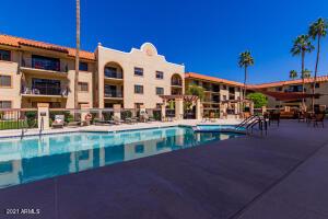 10330 W THUNDERBIRD Boulevard W, C206, Sun City, AZ 85351