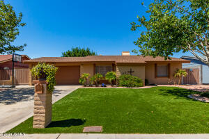 8120 W GLENROSA Avenue, Phoenix, AZ 85033