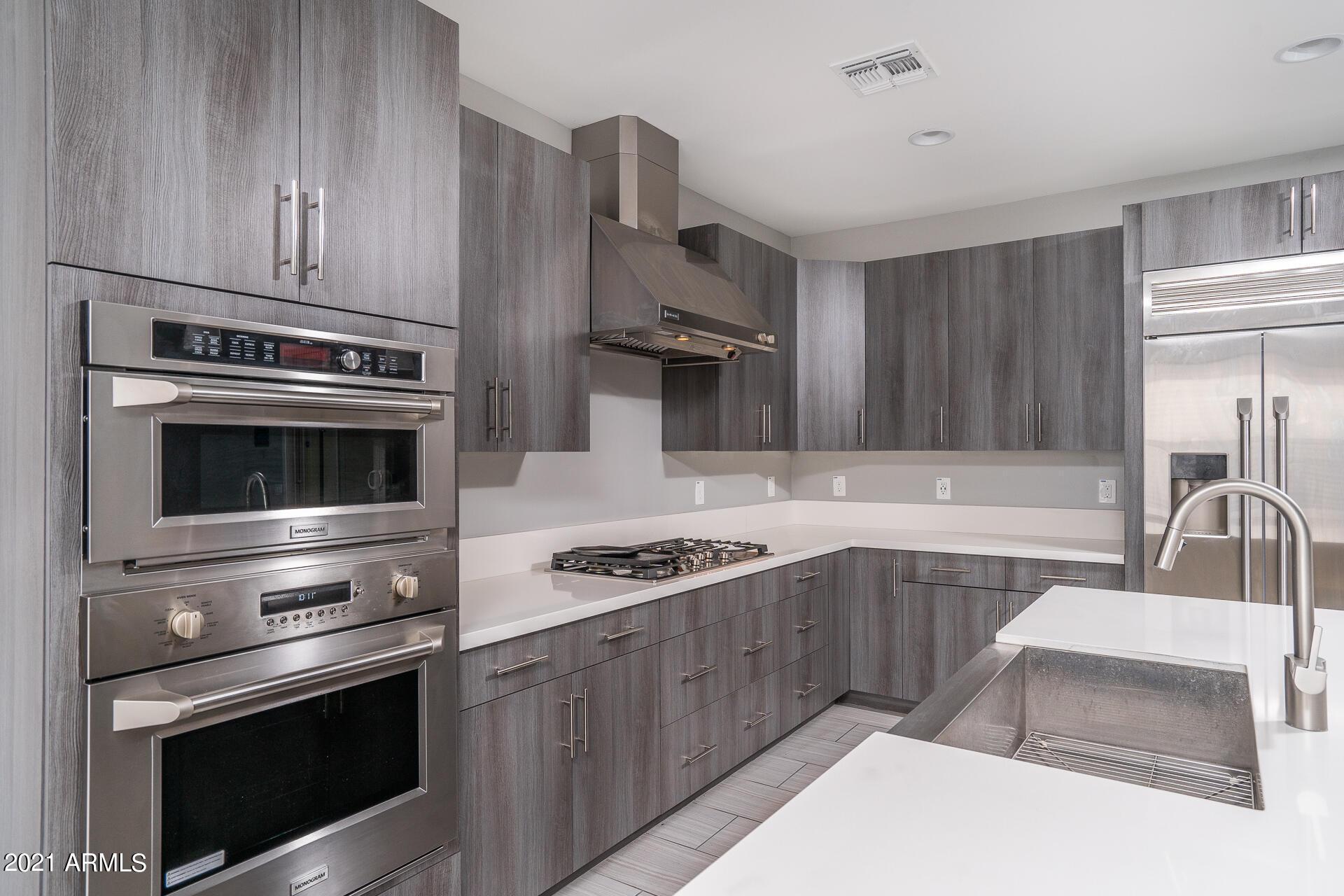 31710 24TH Drive, Phoenix, Arizona 85085, 3 Bedrooms Bedrooms, ,2.5 BathroomsBathrooms,Residential,For Sale,24TH,6265443