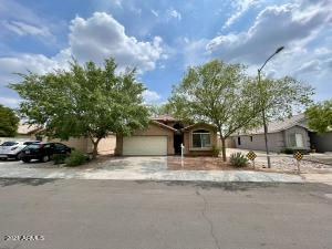 2703 E Campo Bello Drive, Phoenix, AZ 85032
