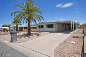 9421 E SUN LAKES Boulevard S, Sun Lakes, AZ 85248