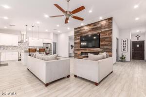 5817 S 27TH Place, Phoenix, AZ 85040