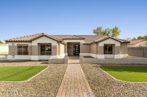 914 E KNOLL Street, Mesa, AZ 85203