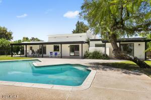 702 W LAS PALMARITAS Drive, Phoenix, AZ 85021