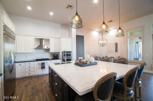 Kitchen with 8' island