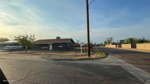 1742 E BURGESS Lane, Phoenix, AZ 85042