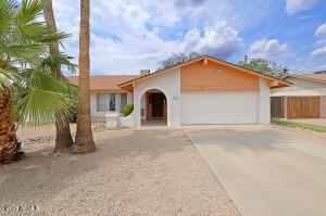 1208 W TOPEKA Drive, Phoenix, AZ 85027