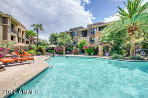 Feels like living at a resort! Large iinviting heated pool and spa