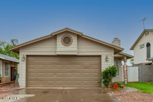 8424 W CAMPBELL Avenue, Phoenix, AZ 85037