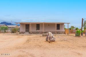 1953 S TOMAHAWK Road, Apache Junction, AZ 85119