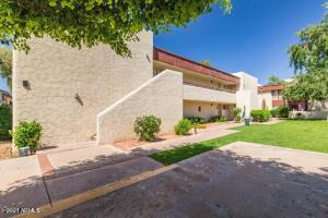 3828 N 32ND Street, 212, Phoenix, AZ 85018