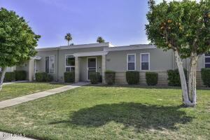 10074 W LANCASTER Drive, Sun City, AZ 85351