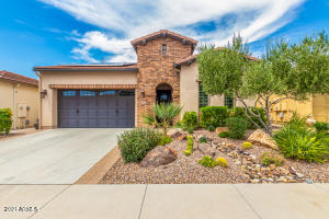 610 E LADDOOS Avenue, San Tan Valley, AZ 85140