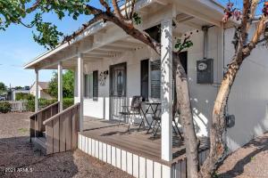 902 W HAZELWOOD Street, Phoenix, AZ 85013