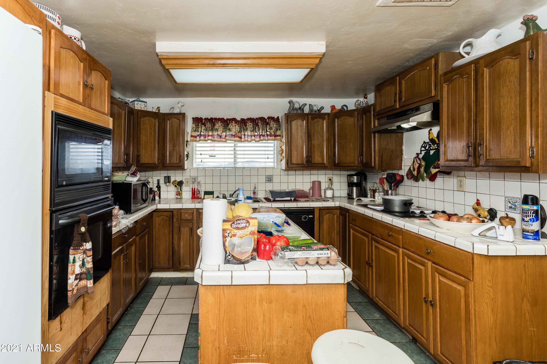 010_Kitchen