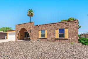 11030 W CRESTBROOK Drive, Sun City, AZ 85351
