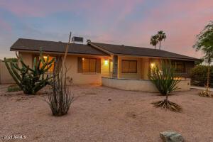 1008 W EMERALD Avenue, Mesa, AZ 85210