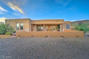 2036 E TOPEKA Drive, Phoenix, AZ 85024