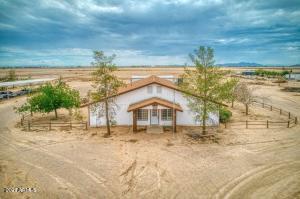 2221 S CHUICHU Road, Casa Grande, AZ 85193