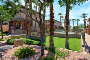 710 S BECK Avenue, Tempe, AZ 85281