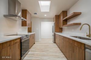 6325 E CATALINA Drive, Scottsdale, AZ 85251