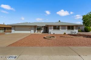 9518 W OAKSTONE Drive, Sun City, AZ 85351