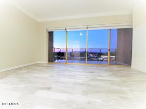 4750 N CENTRAL Avenue, 8S, Phoenix, AZ 85012