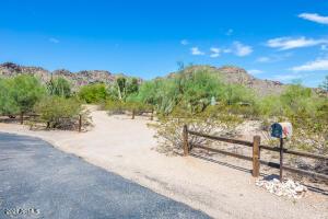 6234 E CATESBY Road, Paradise Valley, AZ 85253