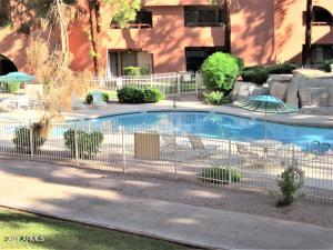 12212 N PARADISE VILLAGE Parkway S, 208, Phoenix, AZ 85032