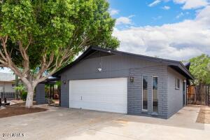 4913 W SELDON Lane, Glendale, AZ 85302
