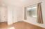 En Suite room with closet, bathroom and linen closet