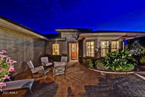HUGE Front Gated Courtyard