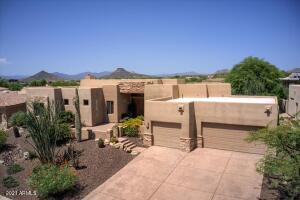 10886 E SUTHERLAND Way, Scottsdale, AZ 85262