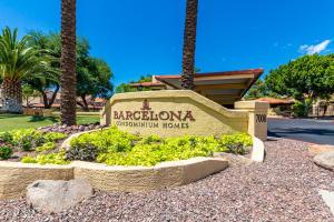 7008 E GOLD DUST Avenue, 216, Paradise Valley, AZ 85253