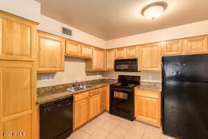 330 S BECK Avenue, 213, Tempe, AZ 85281