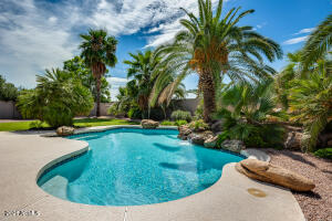 9507 E Shangri La Road, Scottsdale, AZ 85260