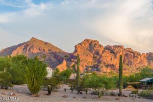 6707 N 48TH Street, Paradise Valley, AZ 85253
