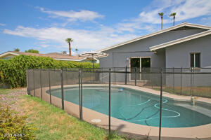 2201 W WINDSOR Avenue, Phoenix, AZ 85009