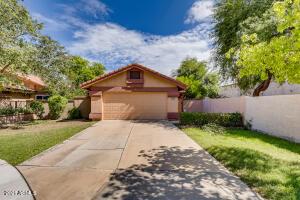 902 W SUNWARD Drive, Gilbert, AZ 85233