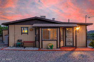 48624 N 3RD Avenue, New River, AZ 85087