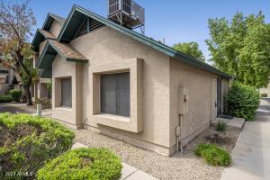 4833 W MANZANITA Drive, Glendale, AZ 85302