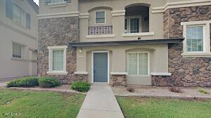 1327 S SABINO Drive, Gilbert, AZ 85296
