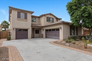 2737 E LODGEPOLE Drive, Gilbert, AZ 85298